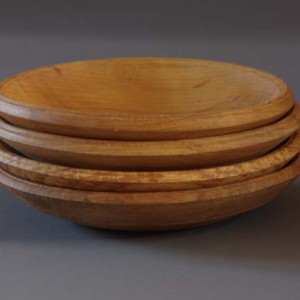 Set of small wooden dishes